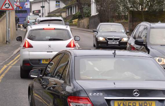 TRAFFIC: Delays in Brentwood