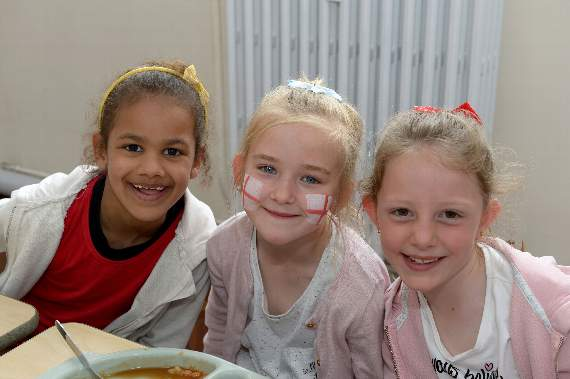 YA picture special: School in Southend celebrates St George's Day with special lunch