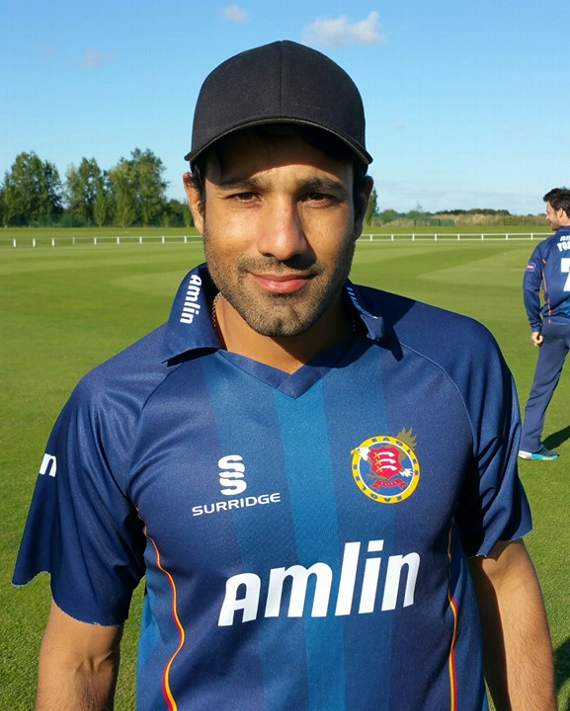 Essex County Cricket Club: Bopara and Foster hit centuries as Essex pile on the pressure